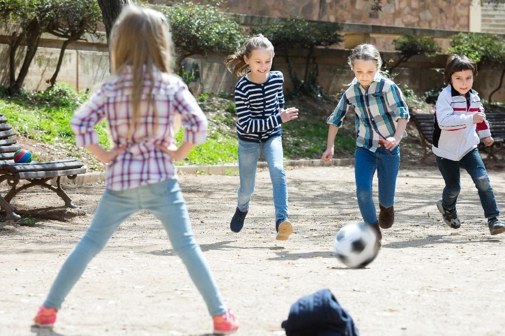 Kinder haben ein Recht auf Spiel, Ruhe, Freizeit und altersangemessene Erholung.