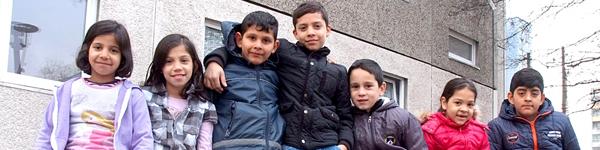 Das Deutsche Kinderhilfswerk hilft Flüchtlingskindern in Deutschland, indem es Projekte und Initiativen finanziel unterstützt, die sich durch Einzelfallhilfe oder Projekte um Flüchtlingskinder kümmern.