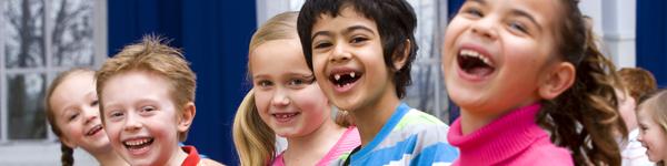 Die Kinderrechte ermöglichen es Kindern, sich ganz nach ihren kindlichen Bedürfnissen zu entwickeln. Unterstützen Sie die deutschlandweite Kinderrechtsarbeit des Deutschen Kinderhilfswerkes!
