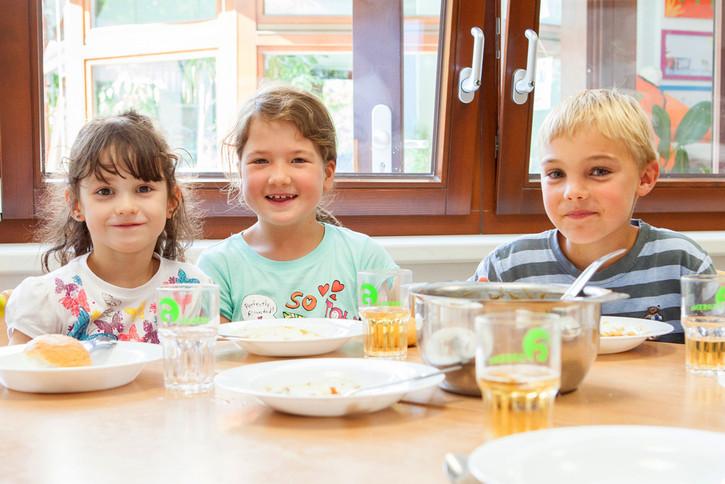 Das Deutsche Kinderhilfswerk fördert bundesweit Ernährungsprojekte.