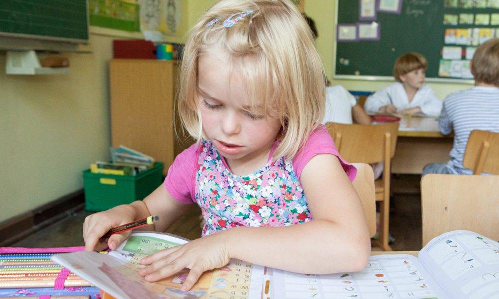 Durch die natürliche Wissbegierde von Kindern hat die Schule beste Voraussetzungen, ein Ort zu sein, an dem Kinder ihre Lust am Lernen ausleben. Wenn alle unter gleichen Voraussetzungen starten.