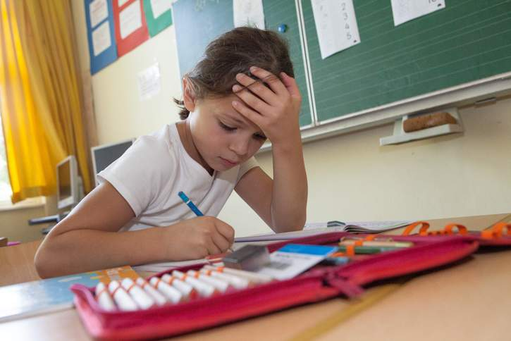 Das Deutsche Kinderhilfswerk fördert Einrichtungen, die sich nach der Schule um Kinder kümmern und übernimmt die Nachhilfe für Familien in Notsituationen.