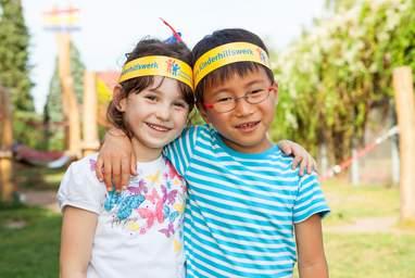 Die Kinderrechte in Deutschland, besonders Kinder- und Jugendbeteiligung und die Bekämpgunf von Kinderarmut, bilden die Schwerpunkte des Deutschen Kinderhilfswerkes.