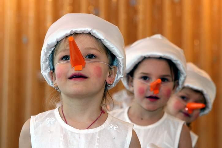 Bei der nächsten Feier können Sie sich statt geschenke Spenden für Kinder wünschen. Das Deutsche Kinderhilfswerk ist Ihnen gerne dabei behilflich.