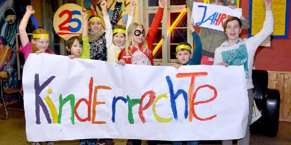Das Deutsche Kinderhilfswerk nimmt das Jubiläum der 25 Jahre Kinderrechte in Deutschland zum Anlass, die Bekanntheit der Kinderrechte zu steigern.