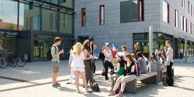 Das Deutsche Kinderhilfswerk fördert im Rahmen des Deutschland-Stipendiums an der Fachhochschule Potsdam in jedem Studiengang für den Master Childhood Studies and Children's Rights eine Studierende bzw. einen Studierenden.