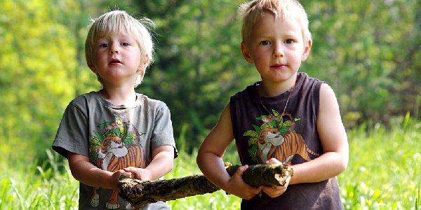 8 Punkte für ein kindgerechtes Außengelände! Das Deutsche Kinderhilfswerk fordert, dass bei Kitaneubauten immer ein ausreichend großes Außenfläche eingeplant wird.