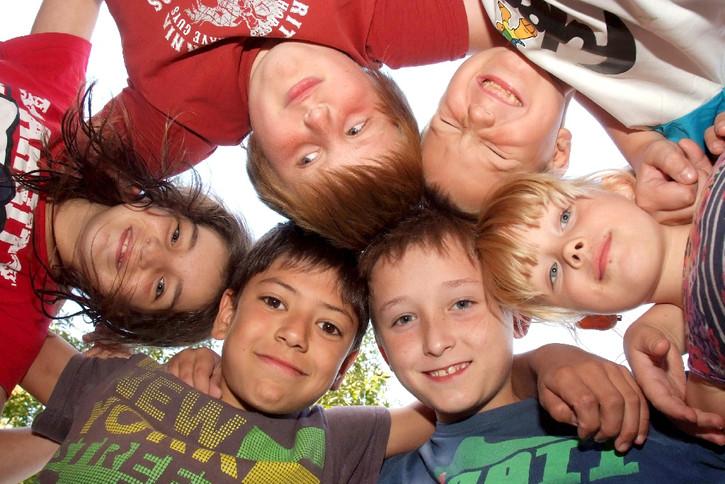 Am 20. November 1989 wurde die UN-Kinderrechtskonvention unterschrieben, am 5. April 1992 trat sie in Deutschland Kraft.