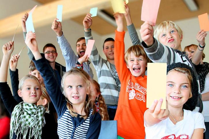 Das Deutsche Kinderhilfswerk macht sich für die Absenkung des Wahlalters stark.