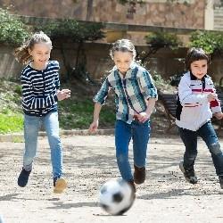 Das Deutsche Kinderhilfswerk setzt sich seit vielen Jahren für die Verbesserung der kindlichen Lebenswelten ein.