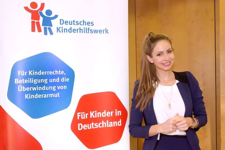Christiane Stenger setzt sich als Botschafterin des Deutschen Kinderhilfswerkes für Kinder ein, besonders im Bereich Bildung und Chancengerechtigkeit.