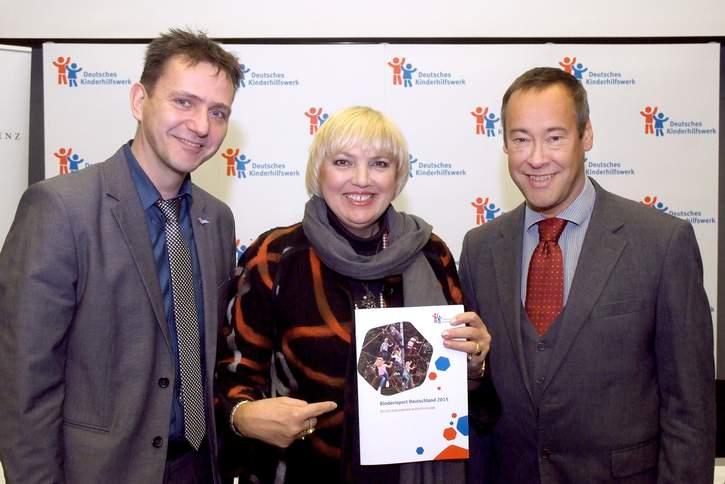 Der Kinderreport des Deutschen Kinderhilfswerkes beinhaltet die Ergebnisse einer repräsentativen Umfrage sowie eine politische Einschätzung, was getan werden sollte, um den Kinderrechten in Deutschland mehr Bedeutung zukommen zu lassen.