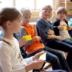 Gemeinsam mit den Bundesländern Schleswig-Holstein, Brandenburg, Niedersachsen, Thüringen und Bremen fördert das Deutsche Kinderhilfswerk die Umsetzung der Kinderrechte in den jeweiligen Ländern.
