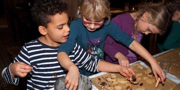 Starten Sie Ihre eigene Spendenaktion und fördern Sie Kinder! Das Deutsche Kinderhilfswerk unterstützt Sie dabei. Es gibt viele Möglichkeiten, Gutes zu tun!