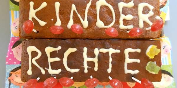 Am 20. November 1989 wurde die UN-Kinderrechtskonvention unterschrieben. Seitdem steht die Bekanntmachung und Umsetzung der Kinderrechte in Deutschland ganz oben auf der Aufgabenliste des Deutschen Kinderhilfswerkes.