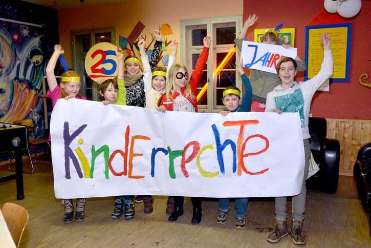 Das Deutsche Kinderhilfswerk nimmt das Jubiläum der Kinderrechte zum Anlass, mit einer deutschlandweiten Aktion die Bekanntheit der Kinderrechte zu steigern.