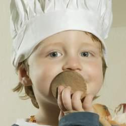 Schlechte Ernährung hat besonders für Kinder schwere Folgen: Übergewicht, das neben körperlichen Beschwerden auch seelische Narben hinterlässt, Konzentrationsschäche oder Mangelerscheinungen. Das Deutsche Kinderhilfswerk hilft.
