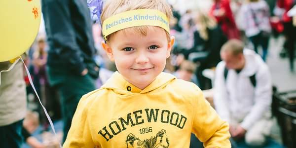 Der 20. September ist Weltkindertag! Dazu veranstaltet das Deutsche Kinderhilfswerk jährlich ein großes Familienfest auf dem Potsdamer Platz im Herzen Berlins.