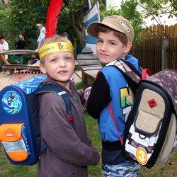 Über 2.000 gut gefüllte Schulranzen verteilt das Deutsche Kinderhilfswerk jedes Jahr an Kinder aus einkommensschwachen Familien für ihren Schulbeginn. So können sie unter denselben Voraussetzungen wie andere Kinder in ihr Schulleben starten.