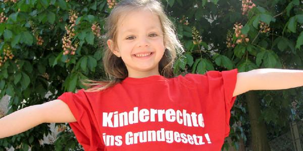 Kinderrechte ins Grundgesetz! Artikel 6 des Grundgesetzes enthält nur Aussagen über Kinder, jedoch nicht für Kinder. Für Kinder nur von den Eltern abgeleitete Rechte einklagbar.