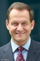 Jeden Mittwoch um 12 Uhr äußern sich Prominente oder Experten der Kinder- und Jugendhilfe mit 1.000 Zeichen zu Kindern. Hier: Alfons Hörmann, Präsident des Deutschen Olympischen Sportbundes (DOSB)