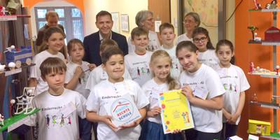 Die Uhland-Grundschule in Dortmund ist jetzt eine Kinderrechteschule.