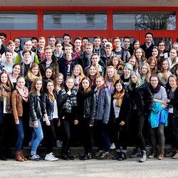 Der Abiturjahrgang des Evangelischen Gymnasiums in Berlin-Köpenick spendete seine Einnahmen aus der Abiparty in Höhe von 736 Euro dem Deutschen Kinderhilfswerk.