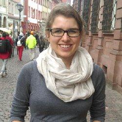 """Eine Spenderin des Deutschen Kinderhilfswerkes: """"Solange ich genug Geld verdiene, habe ich vor, in regelmäßigen Abständen zu spenden – je nach Möglichkeit."""" Wir sagen danke!"""