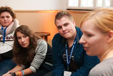 Die Fort- und Weiterbildungen von Fachkräften der Kinder- und Jugendbeteiligung des Deutschen Kinderhilfswerkes bilden einen wichtigen Bauetin für eine flächendeckende Umsetzung der Kinderrechte in Deutschland.