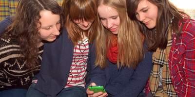 Das Deutsche Kinderhilfswerk bietet Kindern verschiedene Möglichkeiten, Sicherheit im Umgang mit Medien zu gewinnen und die Medienwelt aktiv mitzugestalten.