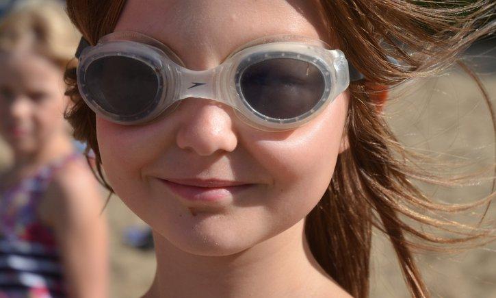 Kinder brauchen die Möglichkeit zu spielen und sich erholen zu können. Das Deutsche Kinderhilfswerk fördert Ferienfahrten für Kinder aus finanziell schwachen Familien.