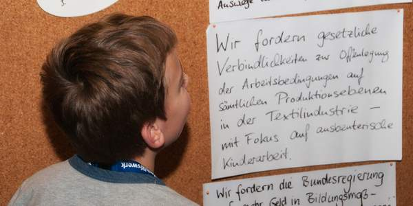 Das Deutsche Kinderhilfswerk ist ein eingetragener Verein. In seiner Satzung sind Zwecke, Ziele und Informationen zu Mitgliedschaften festgeschrieben.