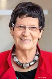 Jeden Mittwoch um 12 Uhr äußern sich Prominente oder Experten der Kinder- und Jugendhilfe mit 1.000 Zeichen zu Kindern. Hier: Prof. Dr. Rita Süssmuth, Bundesfamilienministerin a.D.