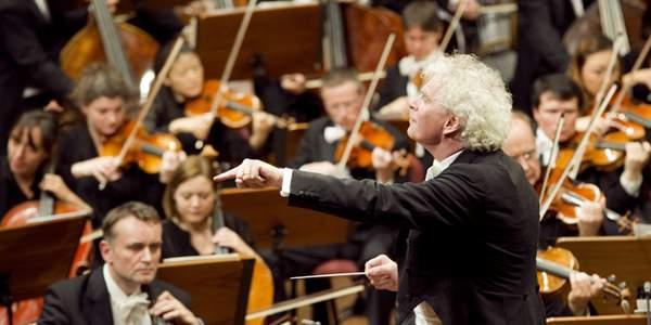 Die Berliner Philharmoniker haben 2013 Konzertkarten zugunsten der Fluthilfe des Deutschen Kinderhilfswerkes verkauft.