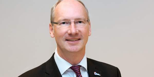 Uwe Kamp, Pressesprecher des Deutschen Kinderhilfswerkes, steht bei allen Fragen rund um Presseangelegenheiten gerne zur Verfügung.