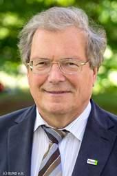 Jeden Mittwoch um 12 Uhr äußern sich Prominente oder Experten der Kinder- und Jugendhilfe mit 1.000 Zeichen zu Kindern. Hier: Prof. Dr. Hubert Weiger, Vorsitzender des BUND e.V.